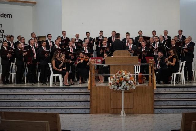 Im Gottesdienst in Sommerfeld.